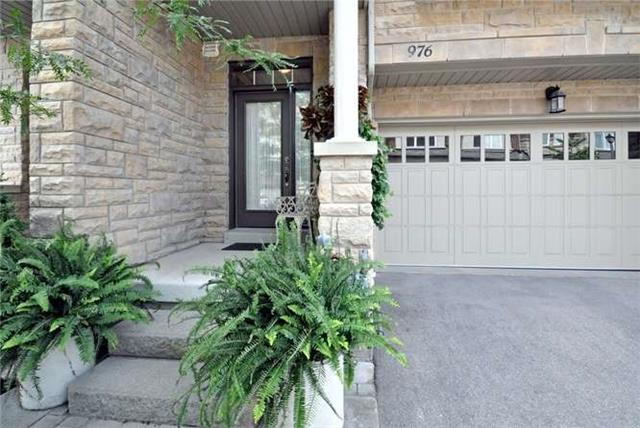 Townhouse at 976 Toscana Pl, Mississauga, Ontario. Image 14