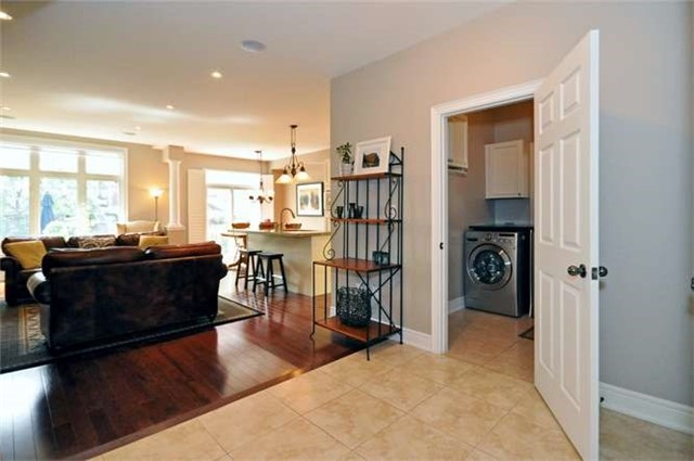 Townhouse at 976 Toscana Pl, Mississauga, Ontario. Image 15