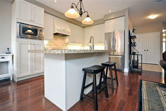 Townhouse at 976 Toscana Pl, Mississauga, Ontario. Image 19