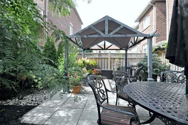 Townhouse at 976 Toscana Pl, Mississauga, Ontario. Image 20