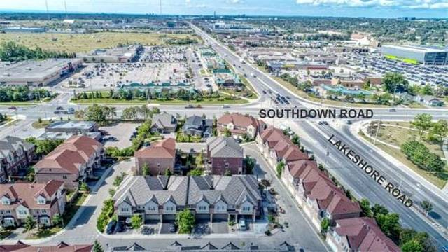 Townhouse at 976 Toscana Pl, Mississauga, Ontario. Image 13
