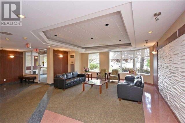 Condo Apartment at 135 Hillcrest Ave, Unit 212, Mississauga, Ontario. Image 4
