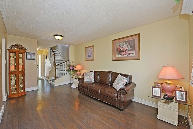 Townhouse at 3414 Nighthawk Tr, Mississauga, Ontario. Image 12
