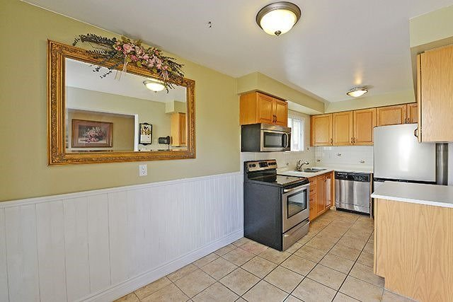 Townhouse at 3414 Nighthawk Tr, Mississauga, Ontario. Image 17
