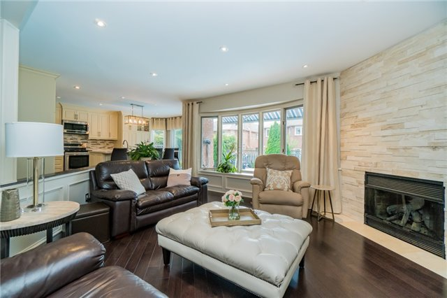 Detached at 6288 Culmore Cres, Mississauga, Ontario. Image 12
