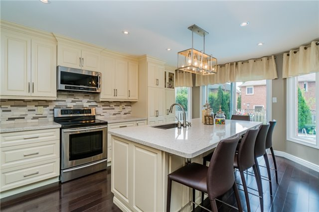 Detached at 6288 Culmore Cres, Mississauga, Ontario. Image 15