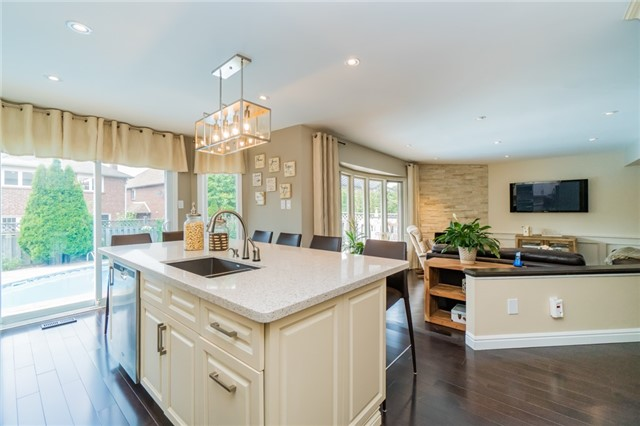 Detached at 6288 Culmore Cres, Mississauga, Ontario. Image 16