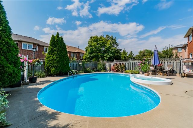 Detached at 6288 Culmore Cres, Mississauga, Ontario. Image 13