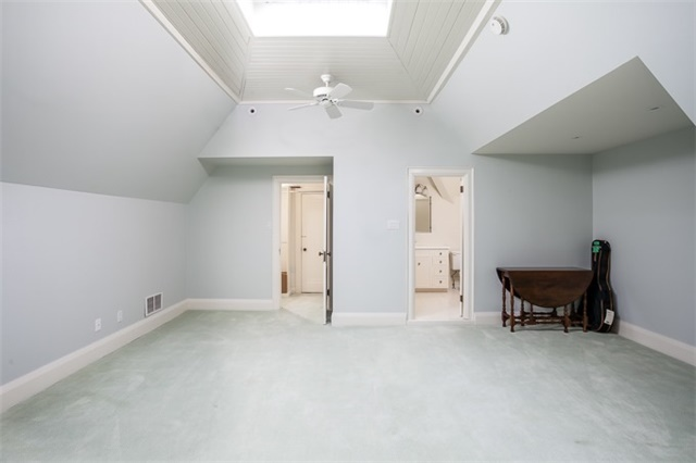 Detached at 9 The Kingsway, Toronto, Ontario. Image 13