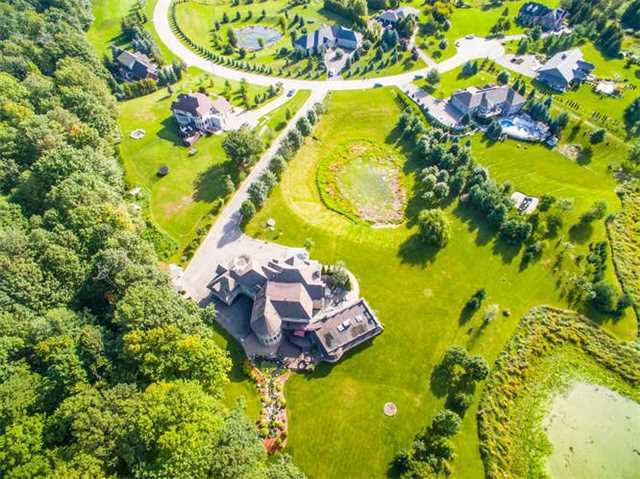 Detached at 10 Peace Crt, Caledon, Ontario. Image 13