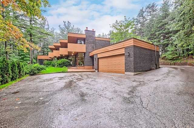 Detached at 8226 Old Church Rd, Caledon, Ontario. Image 1