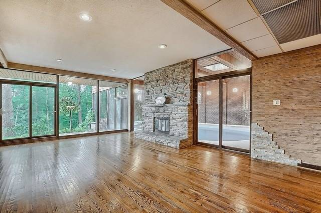 Detached at 8226 Old Church Rd, Caledon, Ontario. Image 2