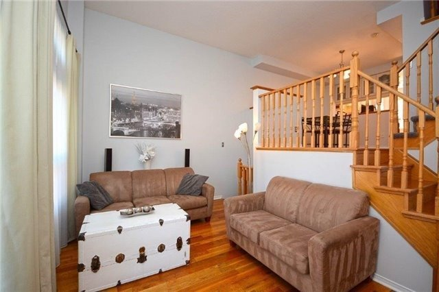 Condo Townhouse at 6060 Snowy Owl Cres, Unit 5, Mississauga, Ontario. Image 12