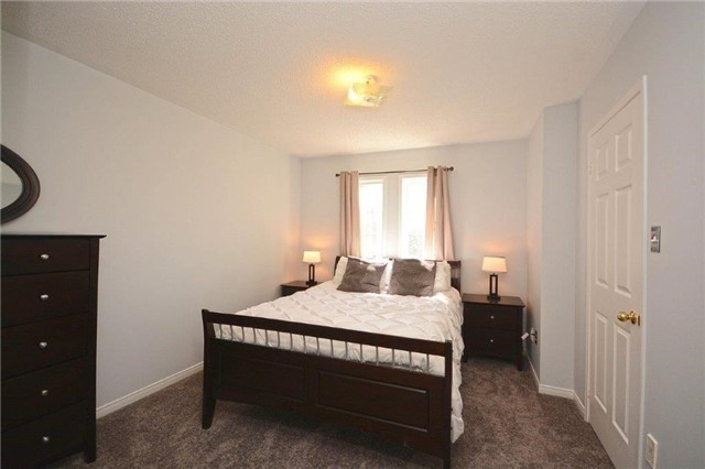 Condo Townhouse at 6060 Snowy Owl Cres, Unit 5, Mississauga, Ontario. Image 14