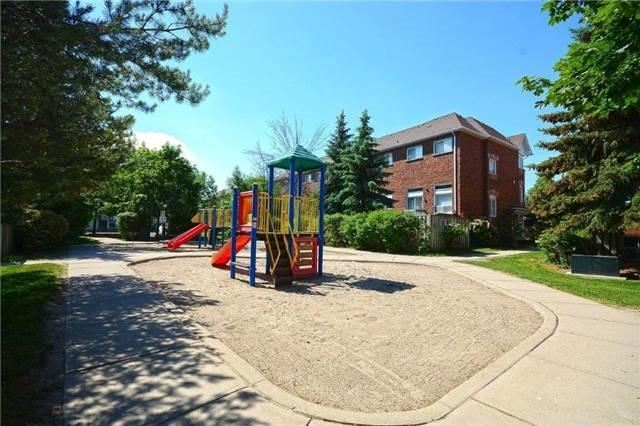 Condo Townhouse at 6060 Snowy Owl Cres, Unit 5, Mississauga, Ontario. Image 7
