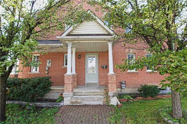 Townhouse at 2 James St, Mississauga, Ontario. Image 1