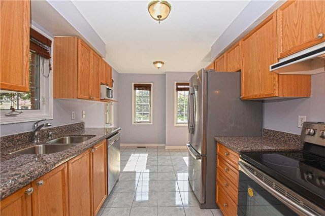 Townhouse at 2 James St, Mississauga, Ontario. Image 16