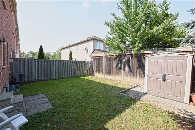 Townhouse at 2 James St, Mississauga, Ontario. Image 7