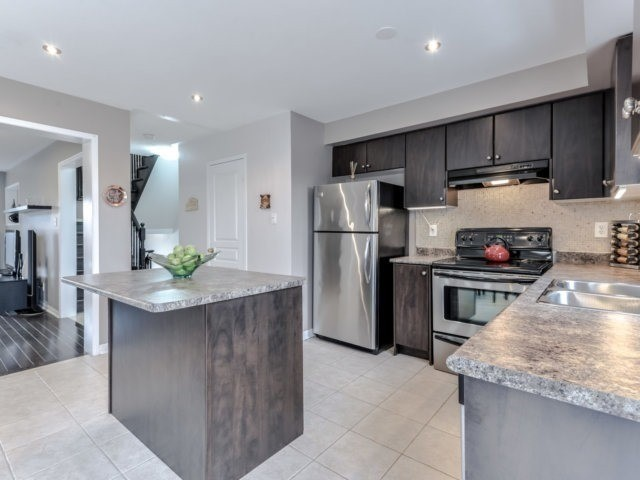 Townhouse at 2470 Adamvale Cres, Oakville, Ontario. Image 18