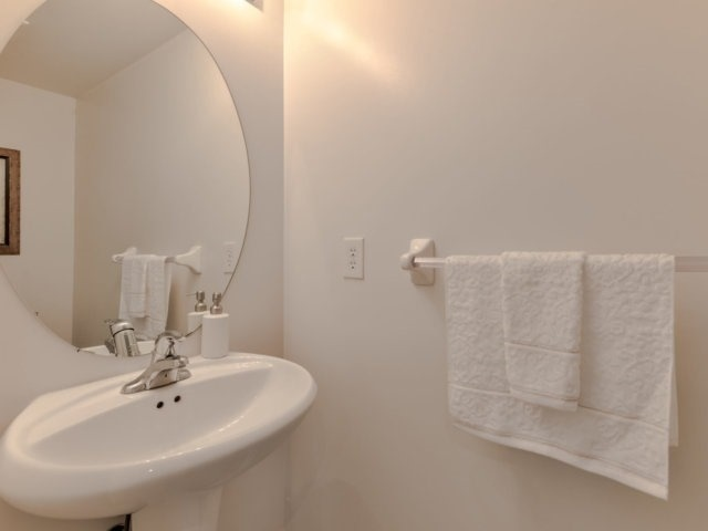 Townhouse at 2470 Adamvale Cres, Oakville, Ontario. Image 20