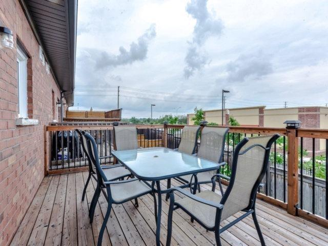 Townhouse at 2470 Adamvale Cres, Oakville, Ontario. Image 2