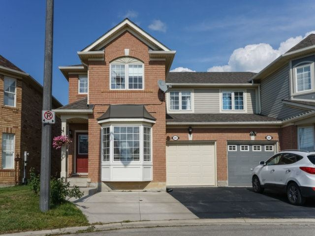 Semi-detached at 685 Thompson Rd S, Milton, Ontario. Image 1