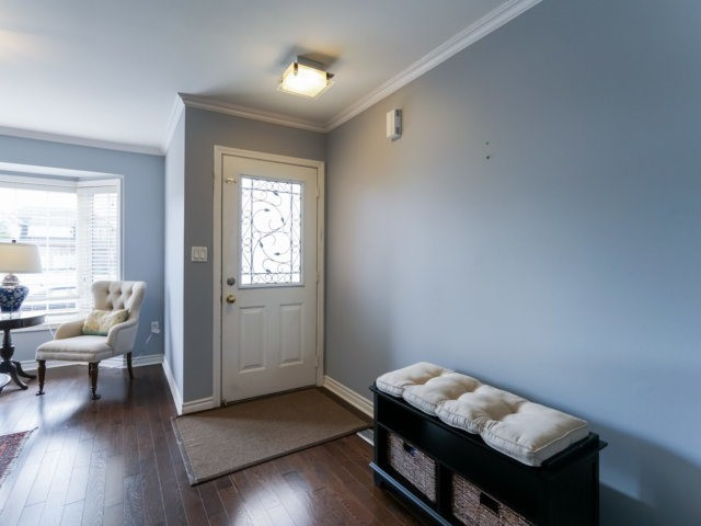 Semi-detached at 685 Thompson Rd S, Milton, Ontario. Image 12
