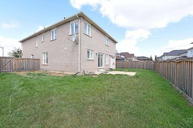 Detached at 370 Cochrane Terr, Milton, Ontario. Image 12
