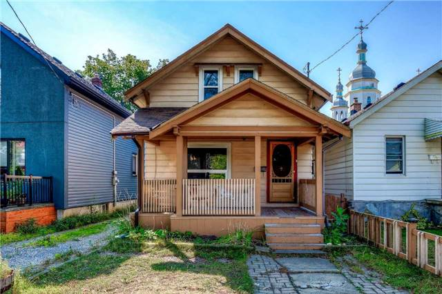 Detached at 33 Fairfield Ave, Toronto, Ontario. Image 1