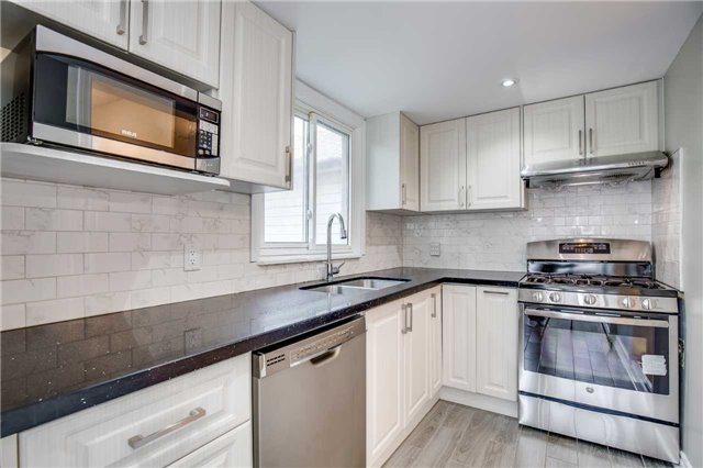 Detached at 33 Fairfield Ave, Toronto, Ontario. Image 15