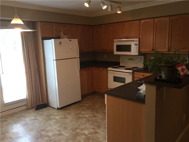 Condo Apartment at 1440 Bishops Gate W, Unit 212, Oakville, Ontario. Image 7
