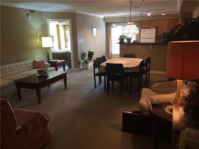 Condo Apartment at 1440 Bishops Gate W, Unit 212, Oakville, Ontario. Image 8