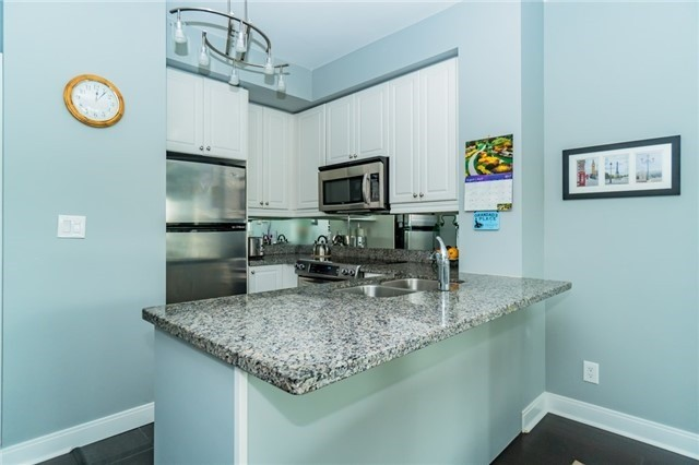 Condo Apartment at 60 Absolute Ave, Unit 602, Mississauga, Ontario. Image 15