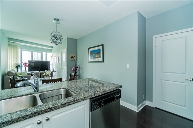 Condo Apartment at 60 Absolute Ave, Unit 602, Mississauga, Ontario. Image 17
