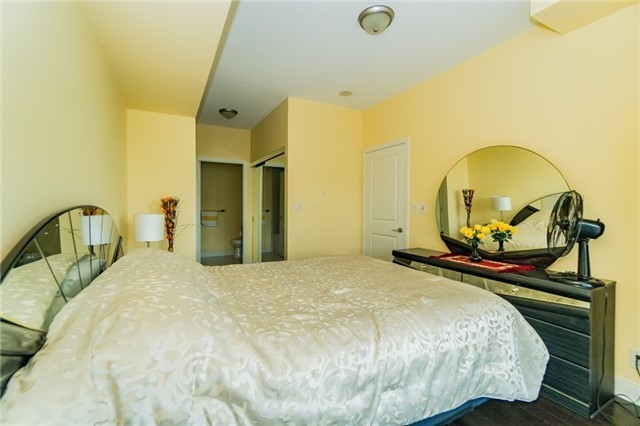 Condo Apartment at 60 Absolute Ave, Unit 602, Mississauga, Ontario. Image 3