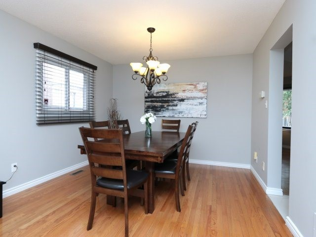 Detached at 3592 Nutcracker Dr, Mississauga, Ontario. Image 15