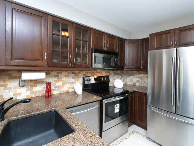 Detached at 3592 Nutcracker Dr, Mississauga, Ontario. Image 18
