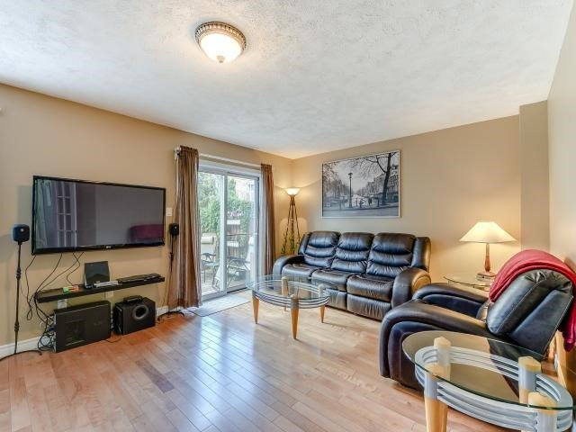 Condo Townhouse at 1206 Upper Village Dr, Mississauga, Ontario. Image 8