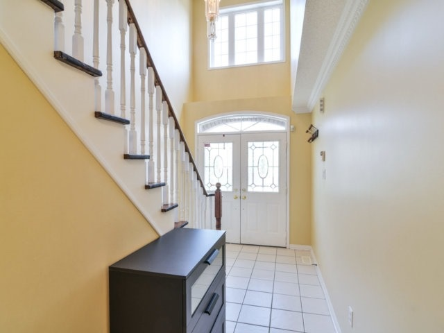 Link at 3355 Equestrian Cres, Mississauga, Ontario. Image 13