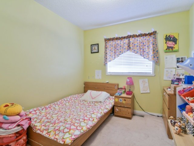 Link at 3355 Equestrian Cres, Mississauga, Ontario. Image 10