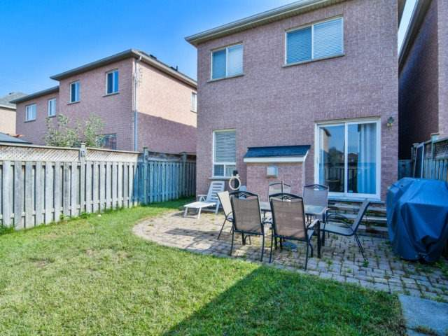 Link at 3355 Equestrian Cres, Mississauga, Ontario. Image 11
