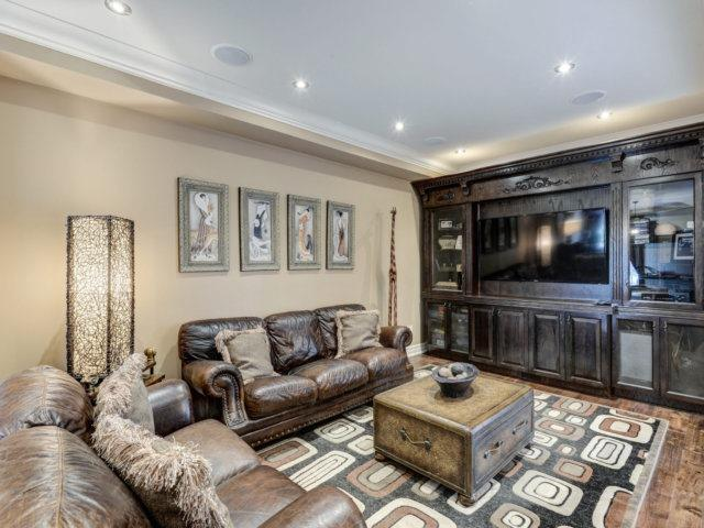Detached at 36 Strawberry Hill Crt, Caledon, Ontario. Image 16