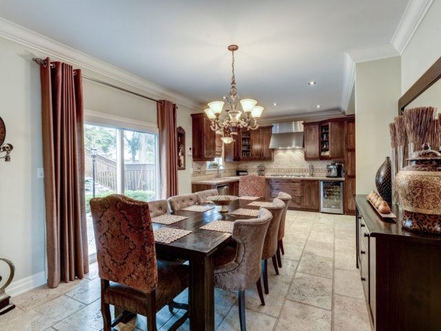 Detached at 36 Strawberry Hill Crt, Caledon, Ontario. Image 18