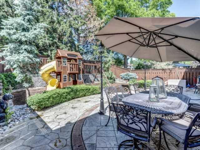 Detached at 36 Strawberry Hill Crt, Caledon, Ontario. Image 13