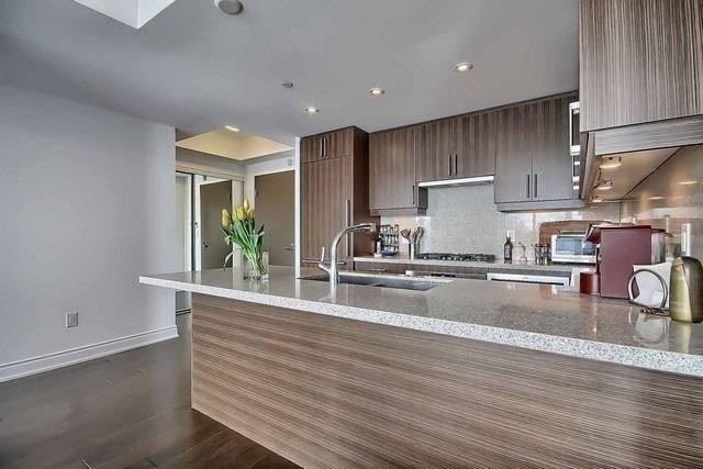 Condo Apartment at 3500 Lakeshore Rd W, Unit 221, Oakville, Ontario. Image 14