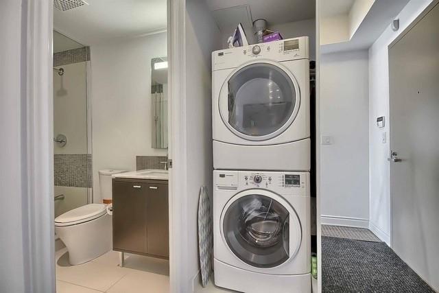 Condo Apartment at 3500 Lakeshore Rd W, Unit 221, Oakville, Ontario. Image 5