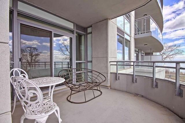 Condo Apartment at 3500 Lakeshore Rd W, Unit 221, Oakville, Ontario. Image 7