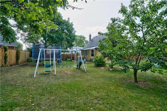 Detached at 395 Princess Anne Cres, Oakville, Ontario. Image 9
