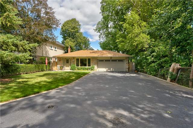 Detached at 1199 Oxford Ave, Oakville, Ontario. Image 1
