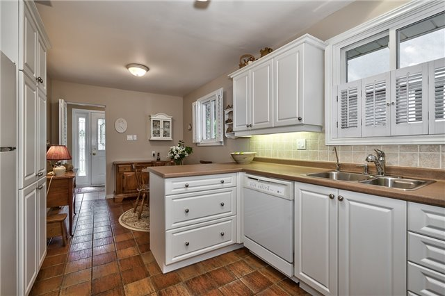 Detached at 1199 Oxford Ave, Oakville, Ontario. Image 18